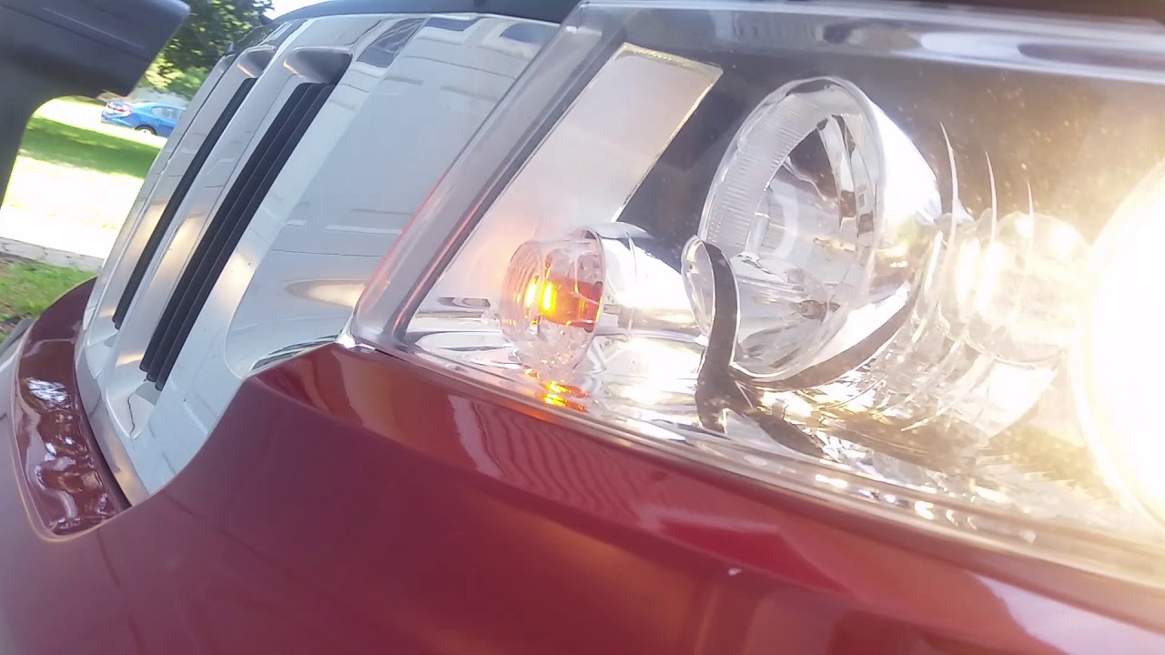 2012 jeep grand cherokee headlight bulb replacement left side [ 1280 x 720 Pixel ]