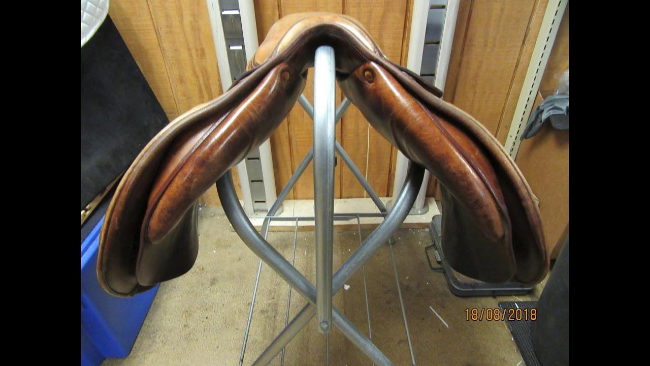 Butet Saumer Used Close Contact Saddle 17