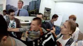 Акция антифашистов в штабе Навального