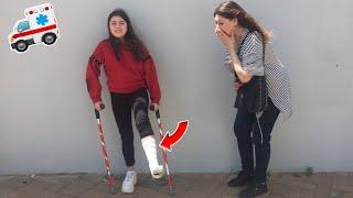 ELENA SI E ROTTA LA GAMBA!!! scherzo a mamma