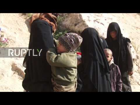Syria: Militants and their families surrender to SDF near Baghouz