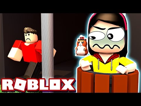 How Are They Not Finding ME?!? - Roblox Blox Hunt - DOLLASTIC PLAYS!