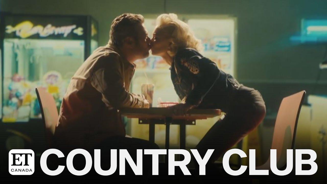 Blake Shelton & Gwen Stefani Give Romantic Performance of ...
