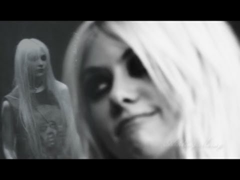 The Pretty Reckless - Under The Water:歌詞+中文翻譯 - 音樂庫