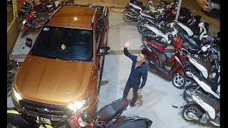 Car Crashes into Scooters || ViralHog