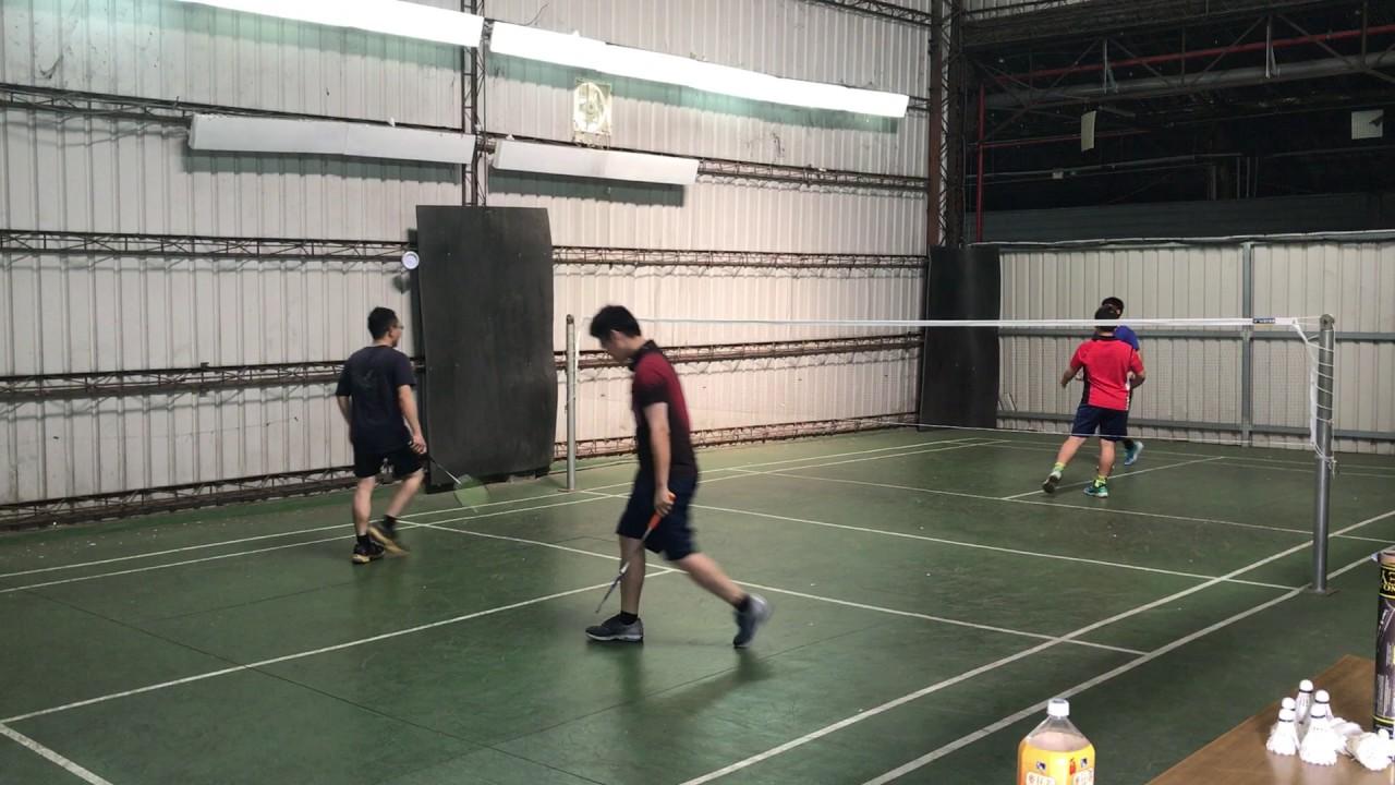 文聖+新樺vs阿德+亮維 - YouTube