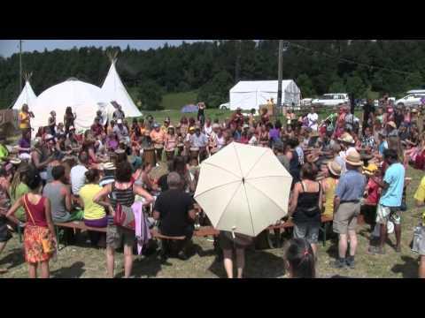 Uhuru 2013 Drumcircle-Drumcall rhythm-is-it.ch Peter Tschanz