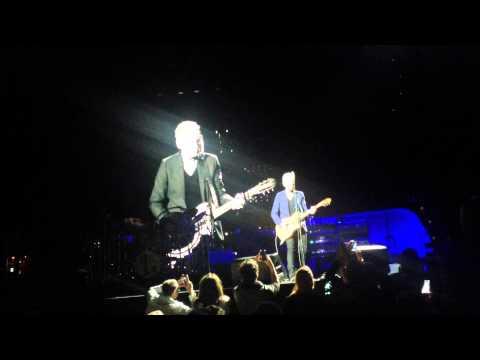 "Lindsey Buckingham of Fleetwood Mac – Big Love ""Unplugged"" @ Globen, Stockholm"