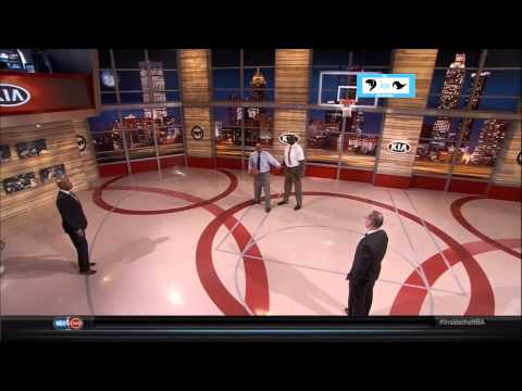 Charles Barkley and Shaq post up lessons