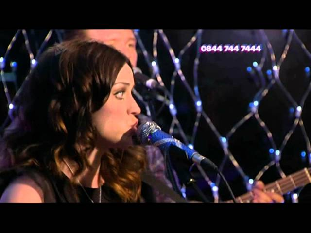 Amy Macdonald performs 'Pride' on STV Appeal 2012