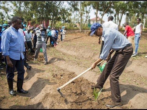 #UMUGANDA: KAGAME JOINS NYANDUNGU RESIDENTS