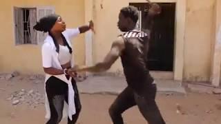 Agression en plein jour: L'agresseur agressé thumbnail