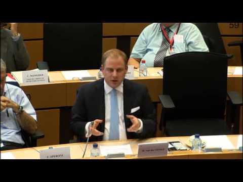 Daniël (Artikel 50) bevraagt Barroso over de salarissen van EU-ambtenaren