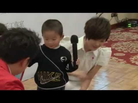 110505 李宇春 Li Yuchun 玉米爱心基金资助听障儿童发布会(下) by 一棵