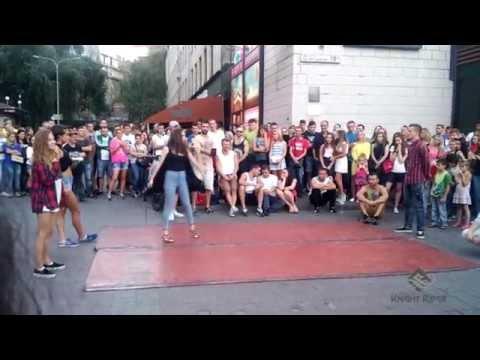 Видео: Танцевальные батлы Крещатика, Вечерний Киев часть 5 - Dance Battles Khreshchatyk, Kiev Evening part5