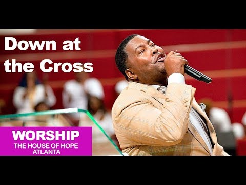 Dr. E. Dewey Smith singing Down at the Cross