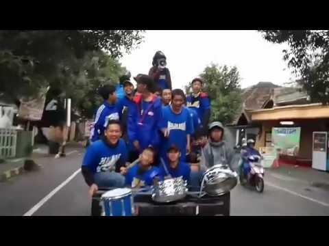 Aksi Aremania dengan The JakMania perjalanan Stadion Kanjuruhan |RDB