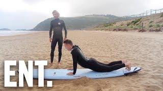 """Jakob försöker lära sig surfa """"Hoppa upp som en yoga-kobra"""" ! - EN UDDA RESA #4"""