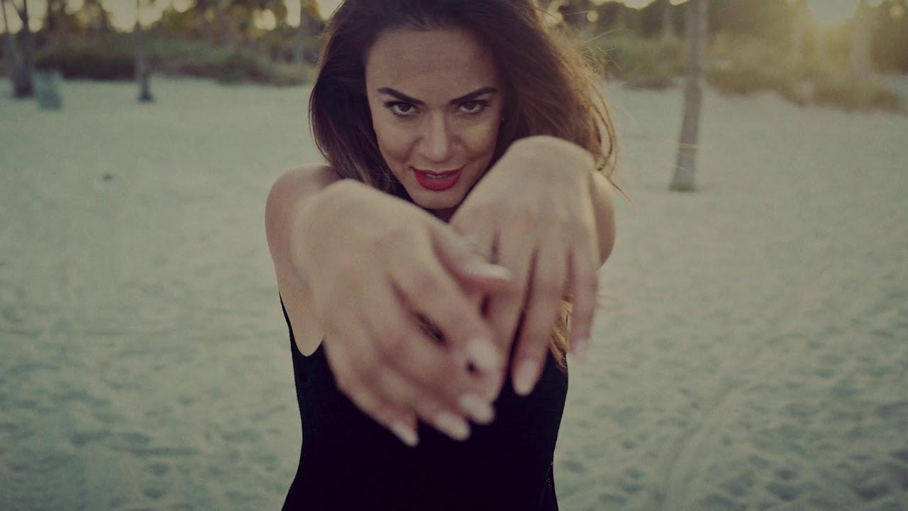Спотот за новата песна на Елена Ристеска со руски рапер – Superstar