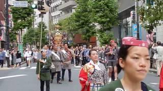 2016年9月17日土曜日、東京港区赤坂の氷川神社の祭礼で、俳優の松平健が...