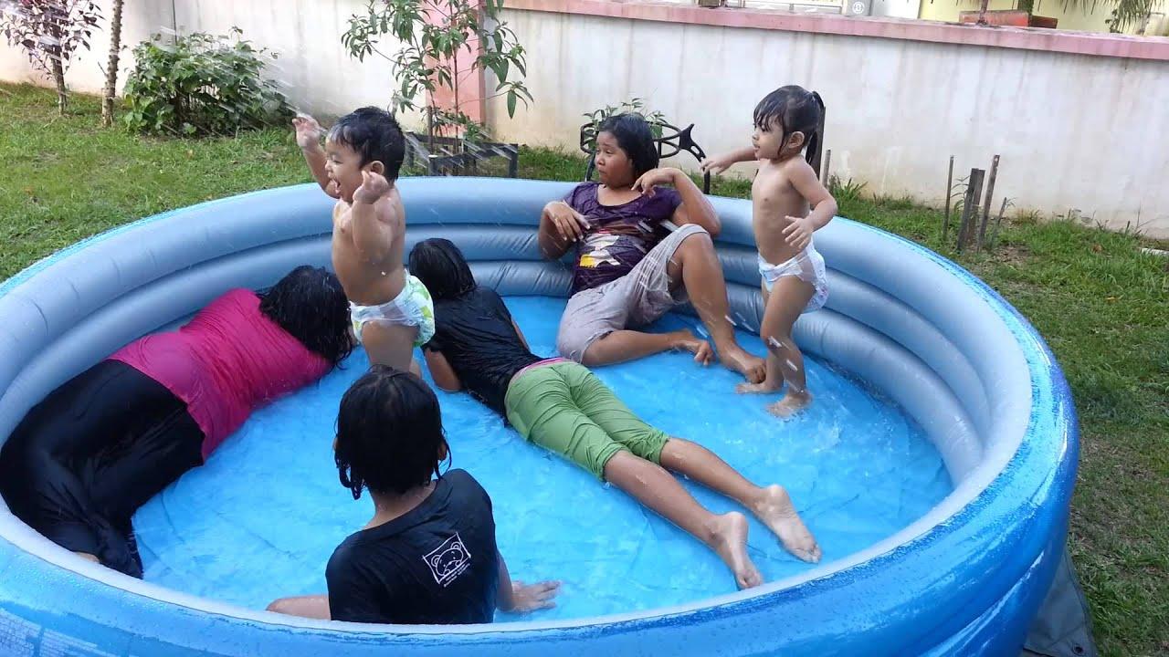 Kids having fun with mini pool - YouTube