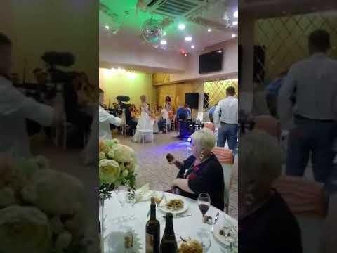 Свадебный танец со стульями