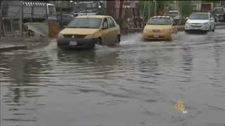فيديو.. فيضانات العراق تهدم منازل النازحين