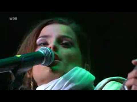 Nelly Furtado Live Explode
