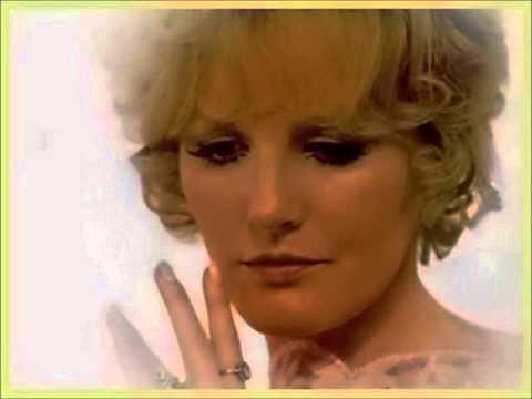 Клип Petula Clark - Windmills of your mind