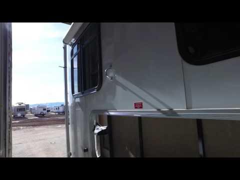 Dalton's RV - 2015 Dixie Single Horse Trailer / Living Quarters