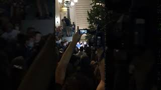 Jeremić išamaran ispred Skupštine