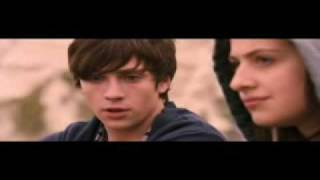 Angus, Thongs, and Perfect Snogging SCENE!