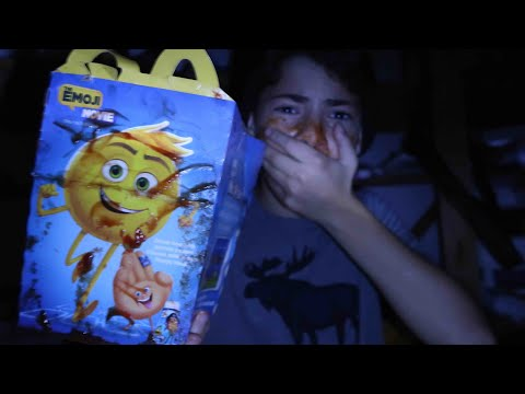Thumbnail: DO NOT ORDER THE EMOJI MOVIE HAPPY MEAL! *WARNING*