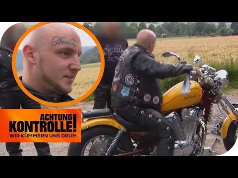 'Ich bin angekotzt!' - Polizei will Motorrad aus dem Verkehr ziehen | Achtung Kontrolle | kabel eins