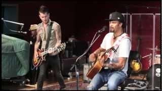 Michael Franti & Spearhead performing Say Hey (I Love You)