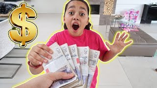 GIVING £10,000 TO MY LITTLE SISTER *PRANK* - Toys AndMe