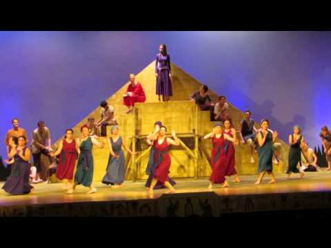 3 20 14 Aida   Dance of Robe
