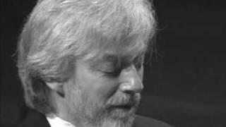 Fryderyk Chopin, Koncert f-moll: p.1 Maestoso. Krystian Zimerman (piano + dir.)