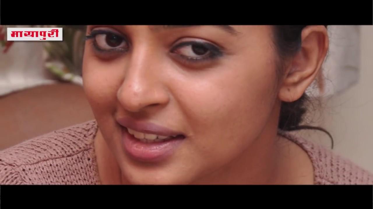 Download Radhika Apte Nude Viral Selfie Photos