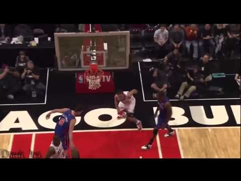 Derrick Rose   24 Pts, 14 Assists  Full Highlights 2010 11 04 vs Knicks