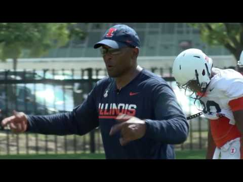 Illini Football DC Hardy Nickerson Mic