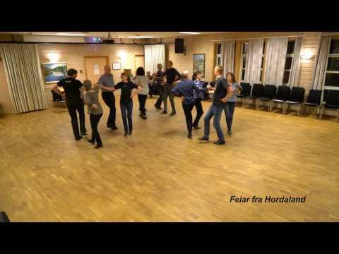 """Folkedanslaget Springar´n danser """"Feiar fra Hordaland"""""""