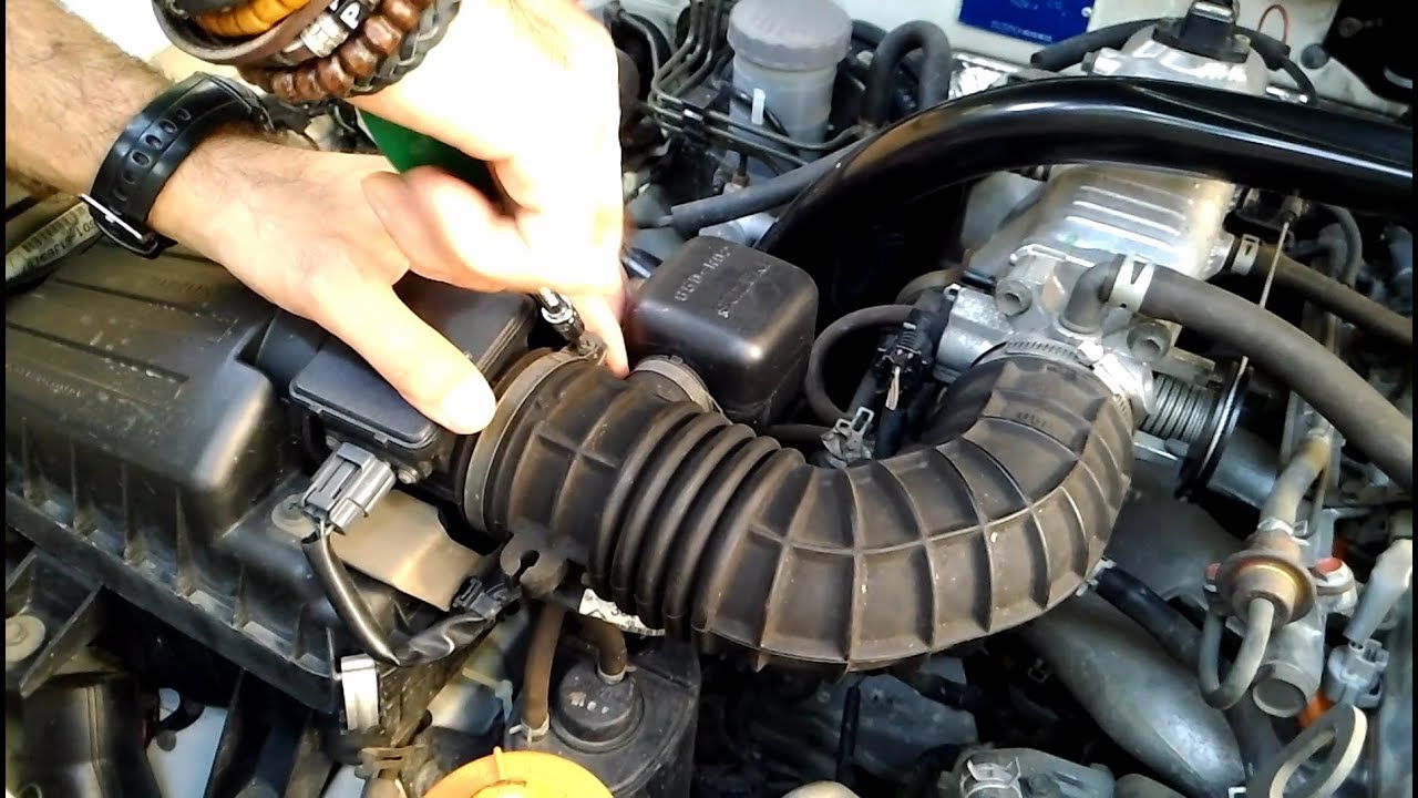 MAF sensor cleaning Suzuki Vitara J20A engine