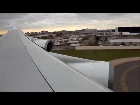 KLM 747-400 Landing at Toronto Airport (YYZ)