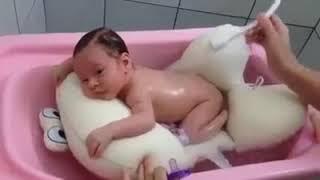 vuclip Baby imut tidur saat dimandikan