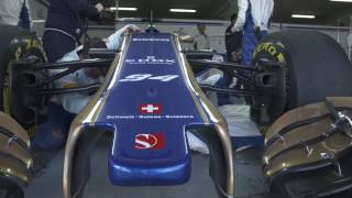 Sauber F1 Team 2017 Garage and Pit Lane | AutoMotoTV