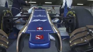 Sauber F1 Team 2017 Garage and Pit Lane | AutoMotoTV