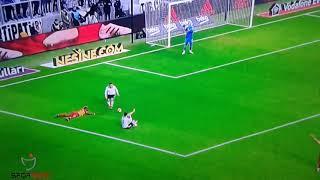 Besiktas Galatasaray derbisi onyekuru  Penaltı pozisyonu