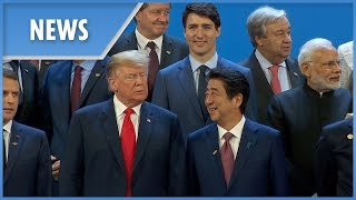 G20 leaders pose for family photo