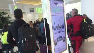 Aşgabadyň aeroportunda uçara münjek ýolagçylar bilen ýygnak geçirildi
